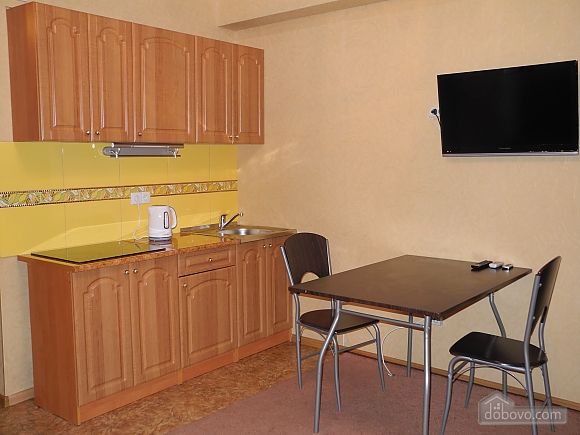 Студия с белой спальней и плазмой, 2х-комнатная (68443), 004