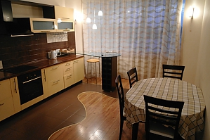 New home for Seredniofontanska, Due Camere, 002