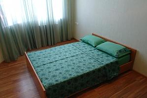New home for Seredniofontanska, Due Camere, 017