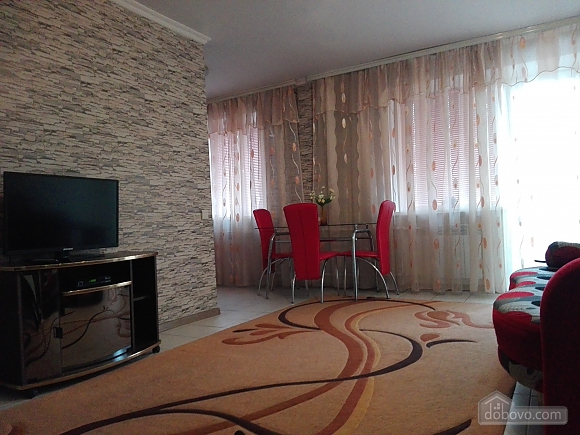 Apartment in the very center of Nikolaev, One Bedroom (13189), 002