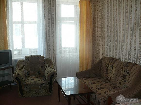 Apartment around the corner from Deribasivska Street, One Bedroom (96900), 002
