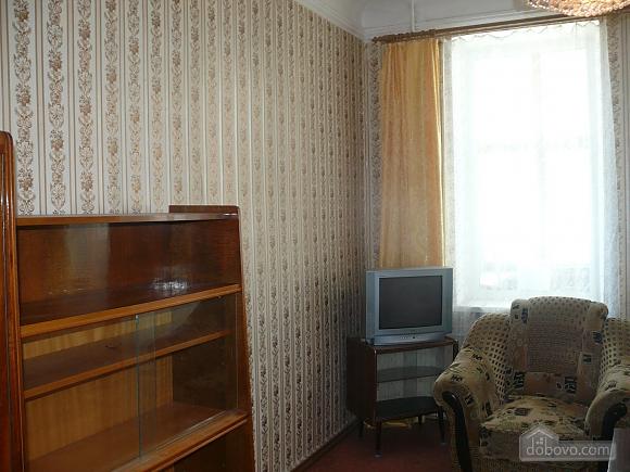 Apartment around the corner from Deribasivska Street, One Bedroom (96900), 003