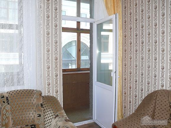 Apartment around the corner from Deribasivska Street, One Bedroom (96900), 004
