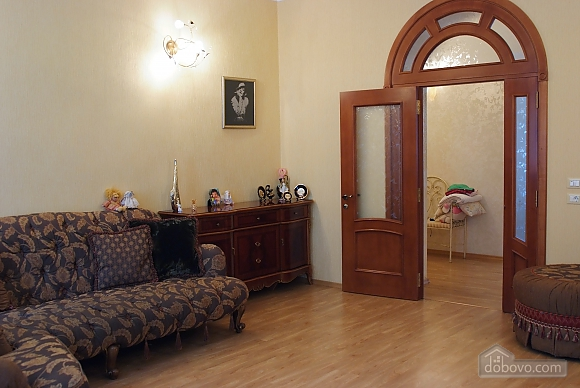 Beautiful and spacious apartment near Deribasivska, Vierzimmerwohnung (16142), 004