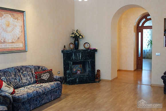Beautiful and spacious apartment near Deribasivska, Vierzimmerwohnung (16142), 006