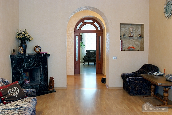 Beautiful and spacious apartment near Deribasivska, Vierzimmerwohnung (16142), 007