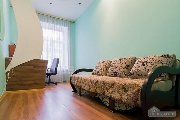 Квартира в центрі поряд з парком, 2-кімнатна (71488), 004