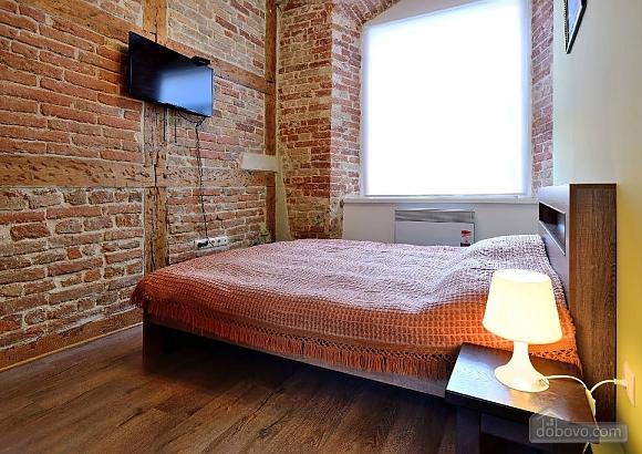 Затишна квартира на площі Ринок, 1-кімнатна (95087), 001