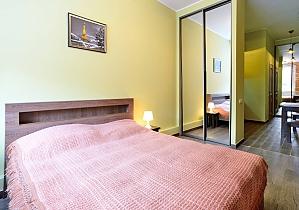 Затишна квартира на площі Ринок, 1-кімнатна, 004