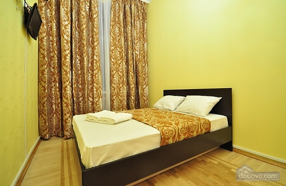 Затишні апартаменти в Києві з загальною кухнею та вбиральною, 1-кімнатна (22269), 001
