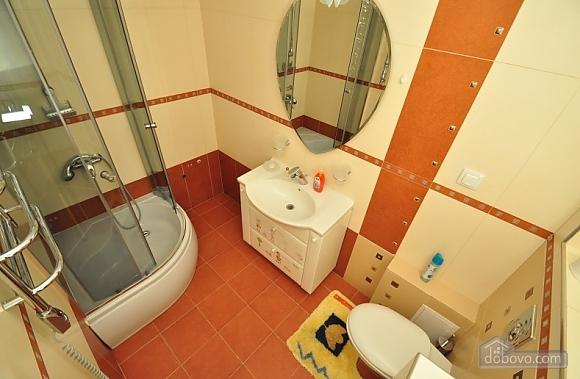 Затишні апартаменти в Києві з загальною кухнею та вбиральною, 1-кімнатна (22269), 004