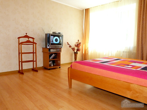 Світла та простора квартира, 1-кімнатна (52215), 002