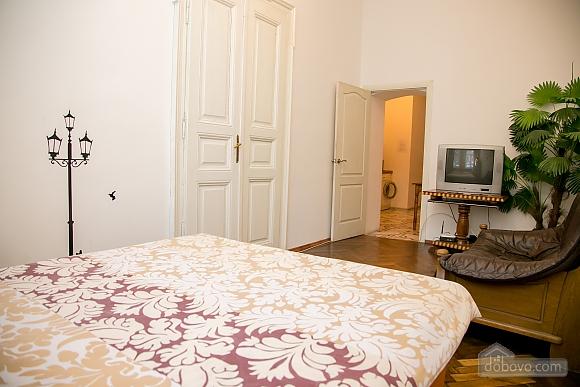 Затишна квартира, 2-кімнатна (36936), 002