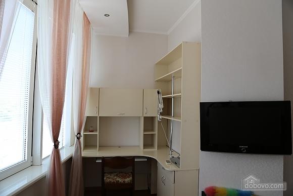 Квартира с видом на Аркадию, 2х-комнатная (99863), 006