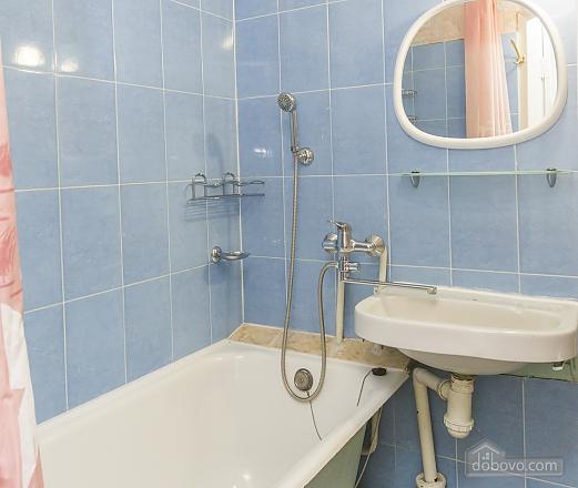 Светлая квартира с кондиционером, 1-комнатная (70850), 008