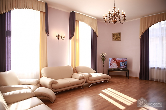 Apartment in the city center, Two Bedroom (33003), 001