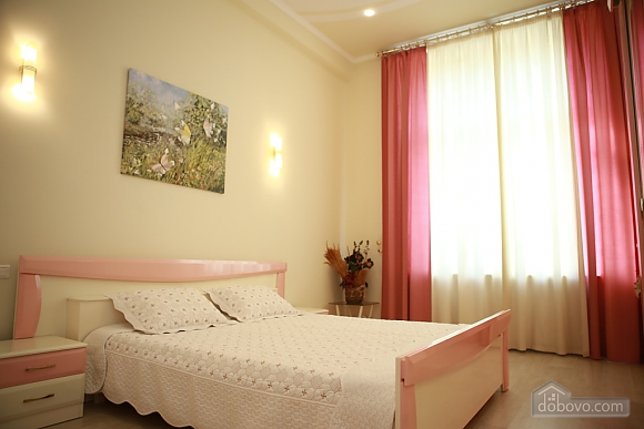 Apartment in the city center, Two Bedroom (33003), 004