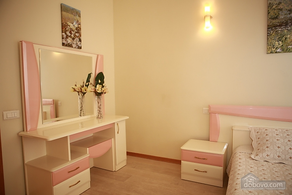Apartment in the city center, Two Bedroom (33003), 006