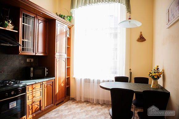 Apartment in the city center, Two Bedroom (33003), 012