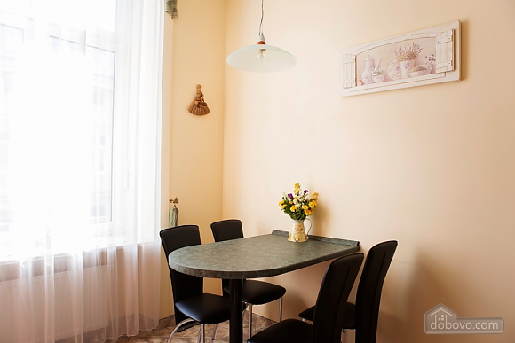 Apartment in the city center, Two Bedroom (33003), 013