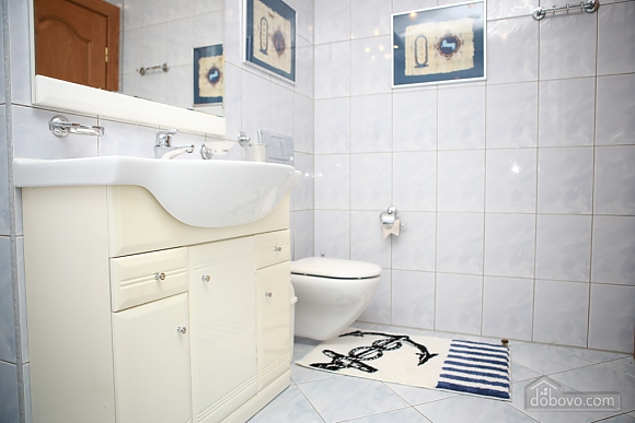 Apartment in the city center, Two Bedroom (33003), 016