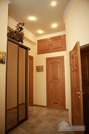 Apartment in the city center, Two Bedroom (33003), 017