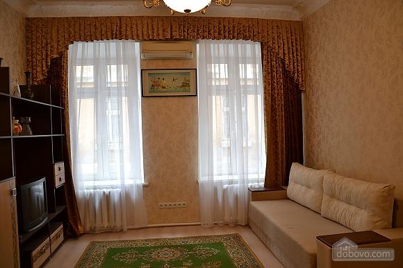 Квартира возле Дерибасовской улицы, 2х-комнатная (79385), 002