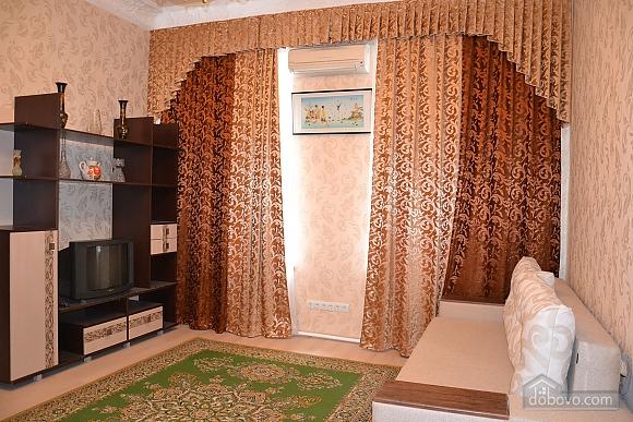 Квартира возле Дерибасовской улицы, 2х-комнатная (79385), 001
