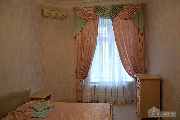 Квартира возле Дерибасовской улицы, 2х-комнатная (79385), 005