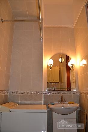 Квартира возле Дерибасовской улицы, 2х-комнатная (79385), 008