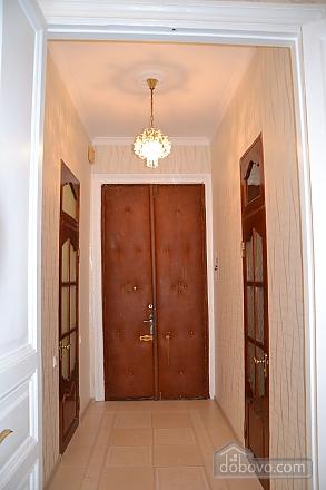 Квартира возле Дерибасовской улицы, 2х-комнатная (79385), 010