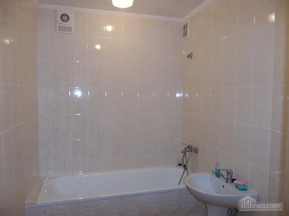 Квартира в приємній кольоровій гамі, 3-кімнатна (71252), 003
