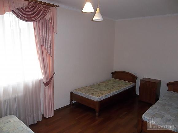 Квартира в приємній кольоровій гамі, 3-кімнатна (71252), 006
