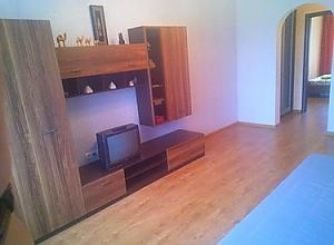 Сучасна квартира неподалік від виставкового центру, 2-кімнатна, 002