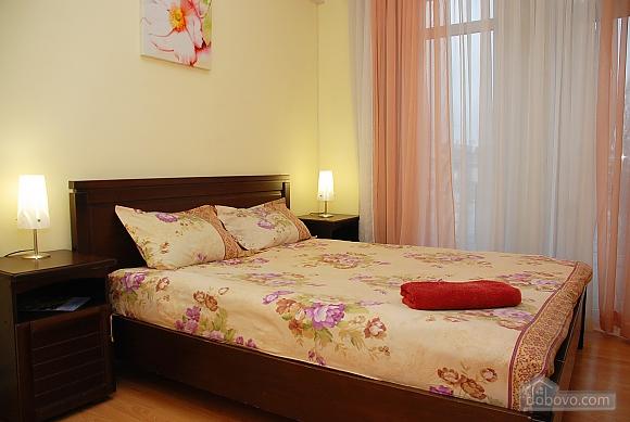 Уютная квартира на Крещатике, 2х-комнатная (89012), 002
