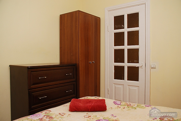 Уютная квартира на Крещатике, 2х-комнатная (89012), 003