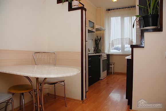 Уютная квартира на Крещатике, 2х-комнатная (89012), 007
