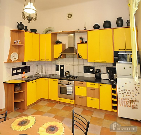Apartment in the historical part of the city, Dreizimmerwohnung (58102), 006