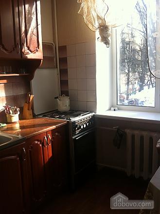 Квартира з старовинними стільцями, 1-кімнатна (38893), 004
