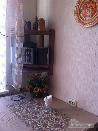 Квартира з старовинними стільцями, 1-кімнатна (38893), 006