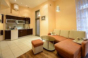 Двокімнатна квартира на Михайлівському (116), 2-кімнатна, 002