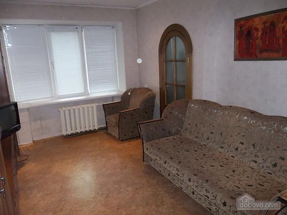 Квартира в районе рынка Седова, 1-комнатная (85576), 001