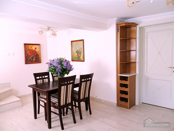 Apartment in the city center, Three Bedroom (36193), 011