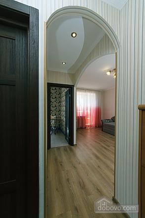 Apartment on Leninhradska square, One Bedroom (16427), 010