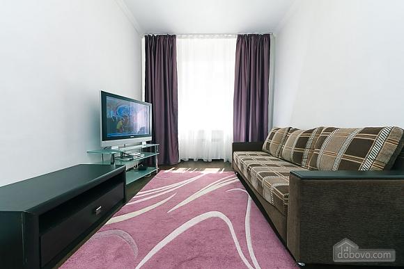 Квартира з великим плазмени телевізором, 3-кімнатна (49118), 003