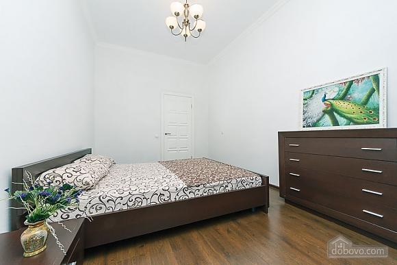Квартира з великим плазмени телевізором, 3-кімнатна (49118), 006