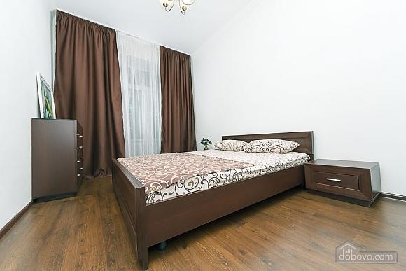 Квартира з великим плазмени телевізором, 3-кімнатна (49118), 007