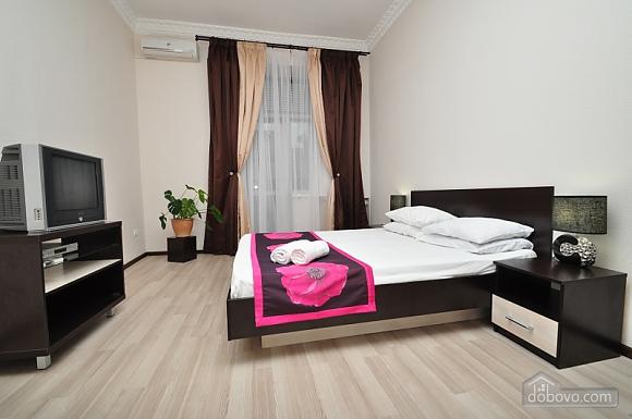 Простора квартира на Хрещатику, 4-кімнатна (24572), 004