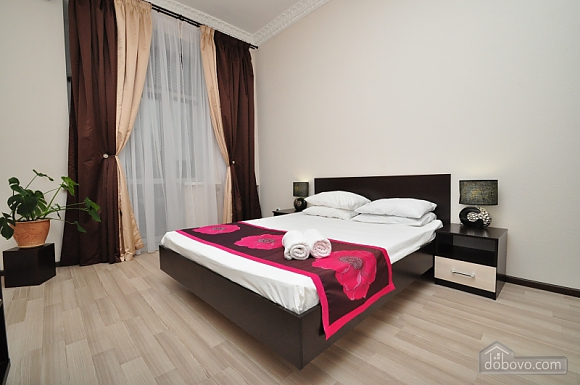Просторная квартира на Крещатике, 4х-комнатная (24572), 001