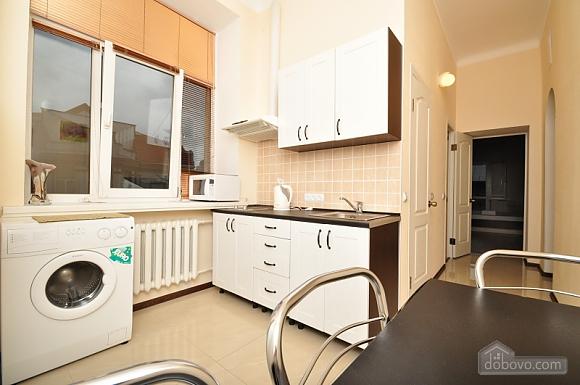 Просторная квартира на Крещатике, 4х-комнатная (24572), 005